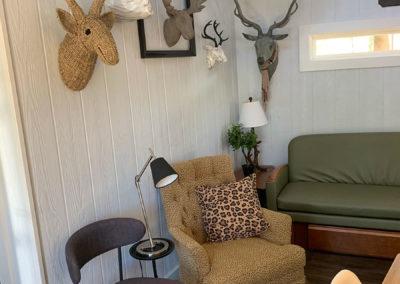 Family-treehouse-rental-living-room