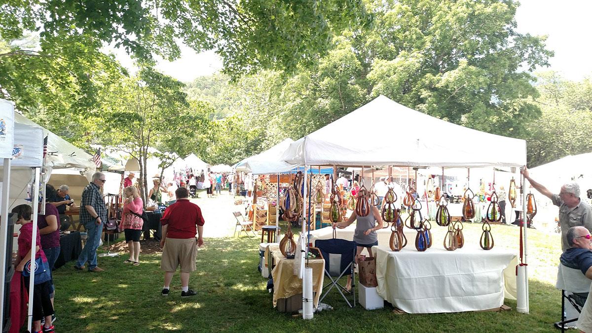 Lake-Lure-Arts-&-Crafts-Festival