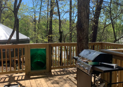 Large-Treehouse-Deck-for-Grilling