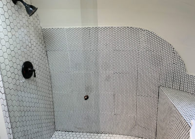 Luxury-Camper-Reno-with-Tiled-Shower