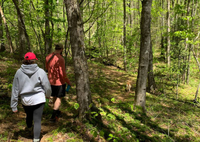 Private-hiking-trails-at-Emberglow