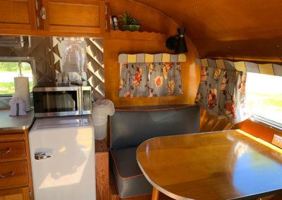 Retro-Camper-Rental