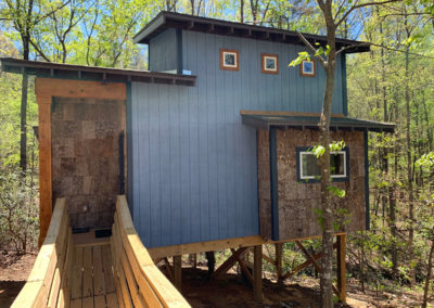 Treehouse-camping-rental-in-NC