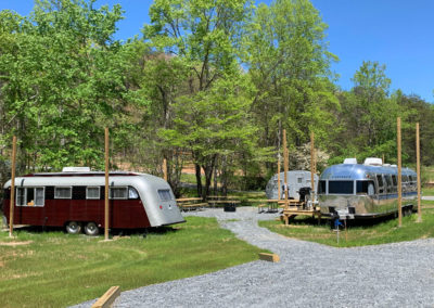 Vintage-Trailers-for-Rent-at-Emberglow